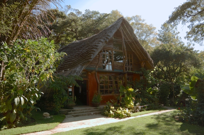 The lodge at Kapishya, where I ate like a king.