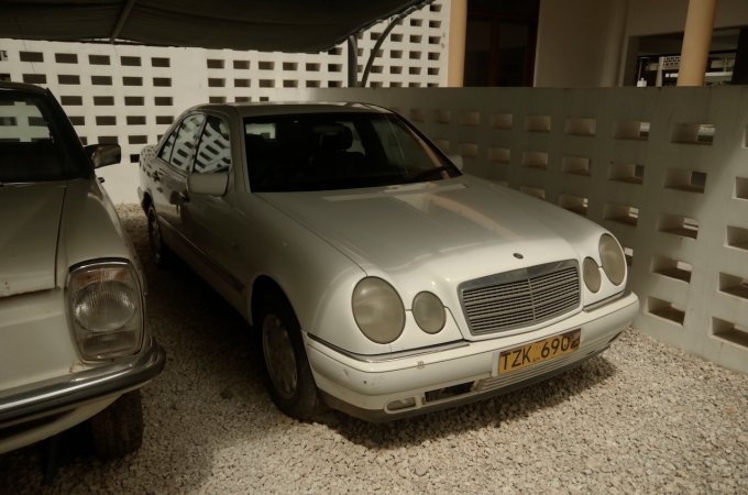 This was Julius Nyerere's car for his retirement. It's a 1 owner car, and it's beat up.