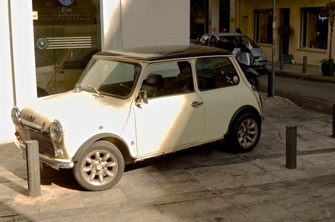 A cute little Mini, which looks good anywhere.