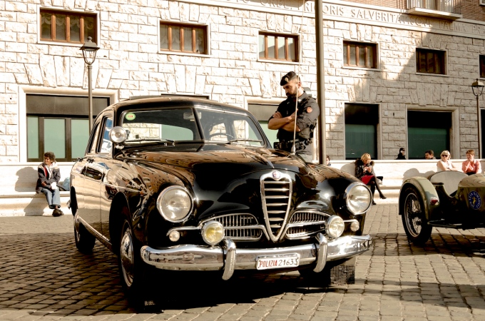 An Alfa Romeo 1900 Super Carabinieri car.